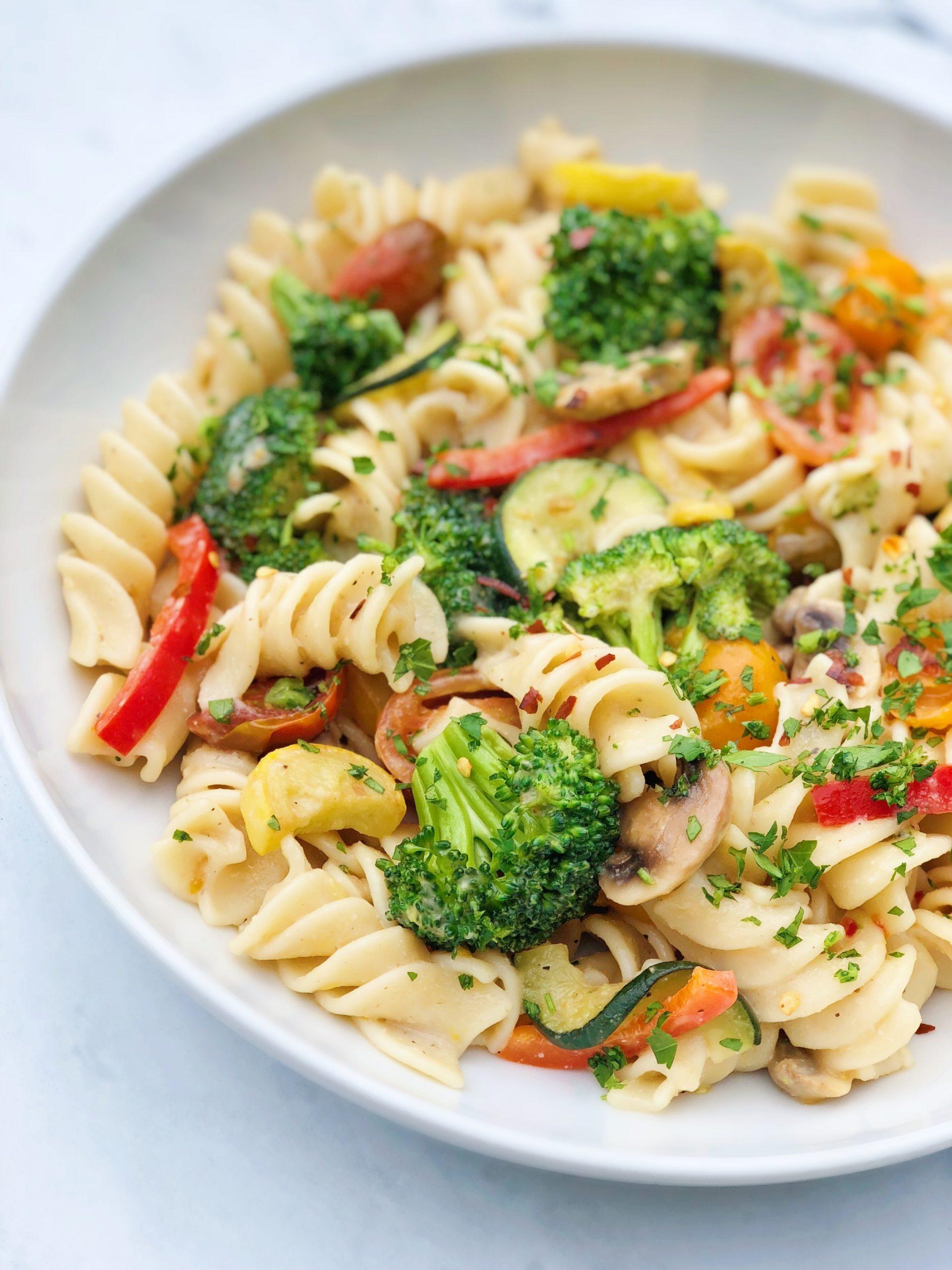 Vegan Alfredo Pasta with Fresh Vegetables